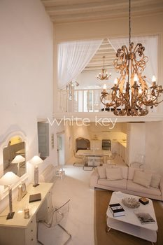 04_WhiteKey-HoneymoonSuite-Patmos_104_IMG_7904.jpg