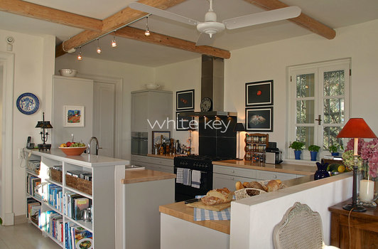 07_WhiteKey-Villa-Milya-Corfu-17-Kitchen.jpg