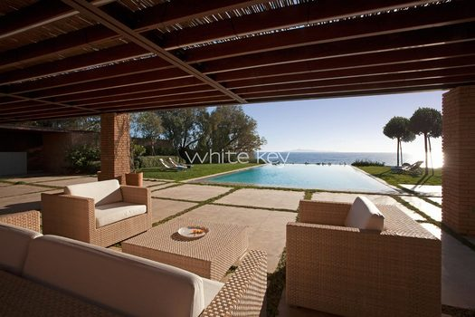 10_WhiteKey-Villa-Smaragda-Around_Athens-24__IMG_2110.jpg