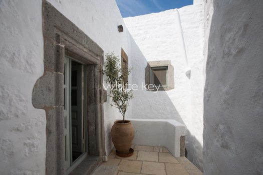 15_WhiteKey-HoneymoonSuite-Patmos_102_IMG_7868.jpg