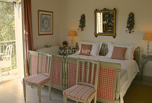 20_WhiteKey-Villa-Milya-Corfu-28-Bedroom-2.jpg