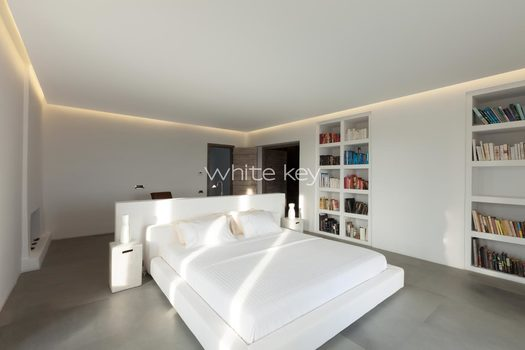 21_WhiteKey-Villa-Isaura-Mykonos-SE-MainBedroom_01.jpg
