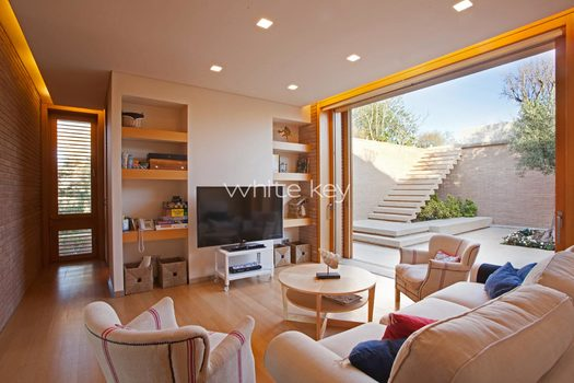 21_WhiteKey-Villa-Smaragda-Around_Athens-168__IMG_2268.jpg