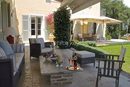 23_WhiteKey-Villa-Milya-Corfu-7-Covered-Terrace.jpg