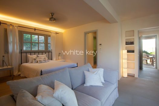 33_WhiteKey-Villa-Smaragda-Around_Athens-04__IMG_2065.jpg