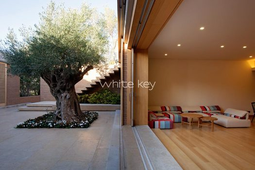 38_WhiteKey-Villa-Smaragda-Around_Athens-173__IMG_2277.jpg